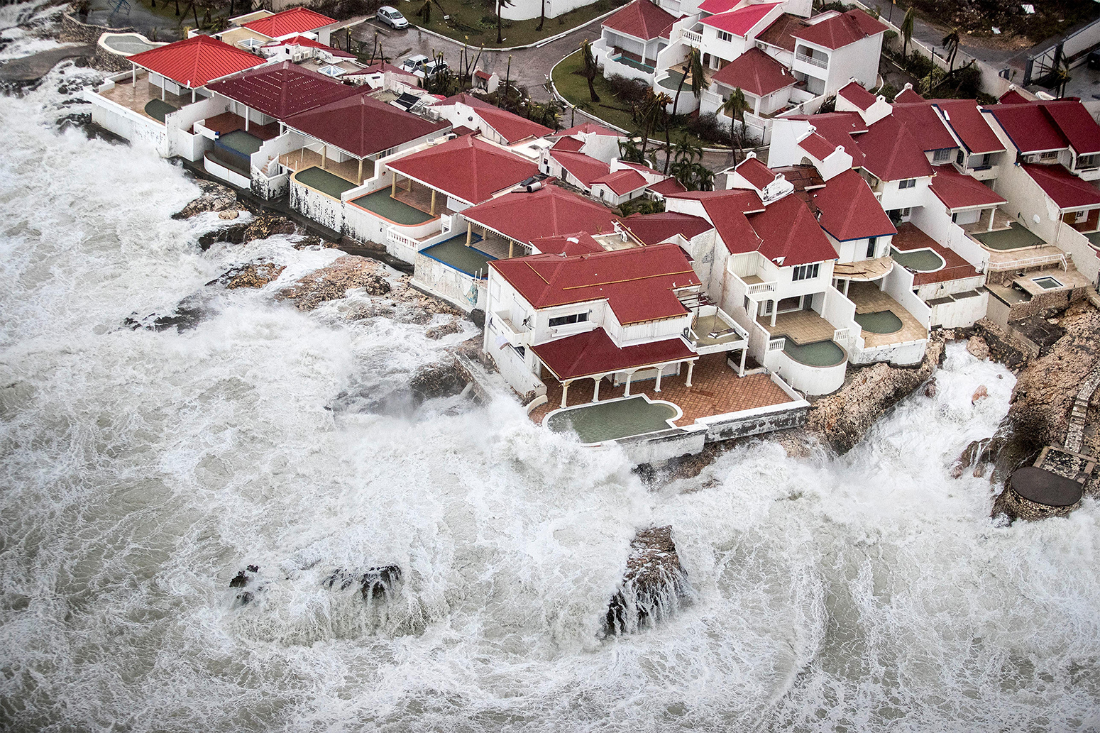 K4YM7F Philipsburg, St Maarten. 06th Sep, 2017. Storm serge and waves lash a resort on the Dutch Island of St. Maarten following a direct hit by Hurricane Irma, a Category 5 storm lashing the Caribbean September 6, 2017 in Philipsburg, St. Maarten. Imra is packing winds of 185-mph making it the strongest hurricane ever recorded in the Atlantic Ocean. (Gerben Van Es/Netherlands Defence Ministry via Planetpix)