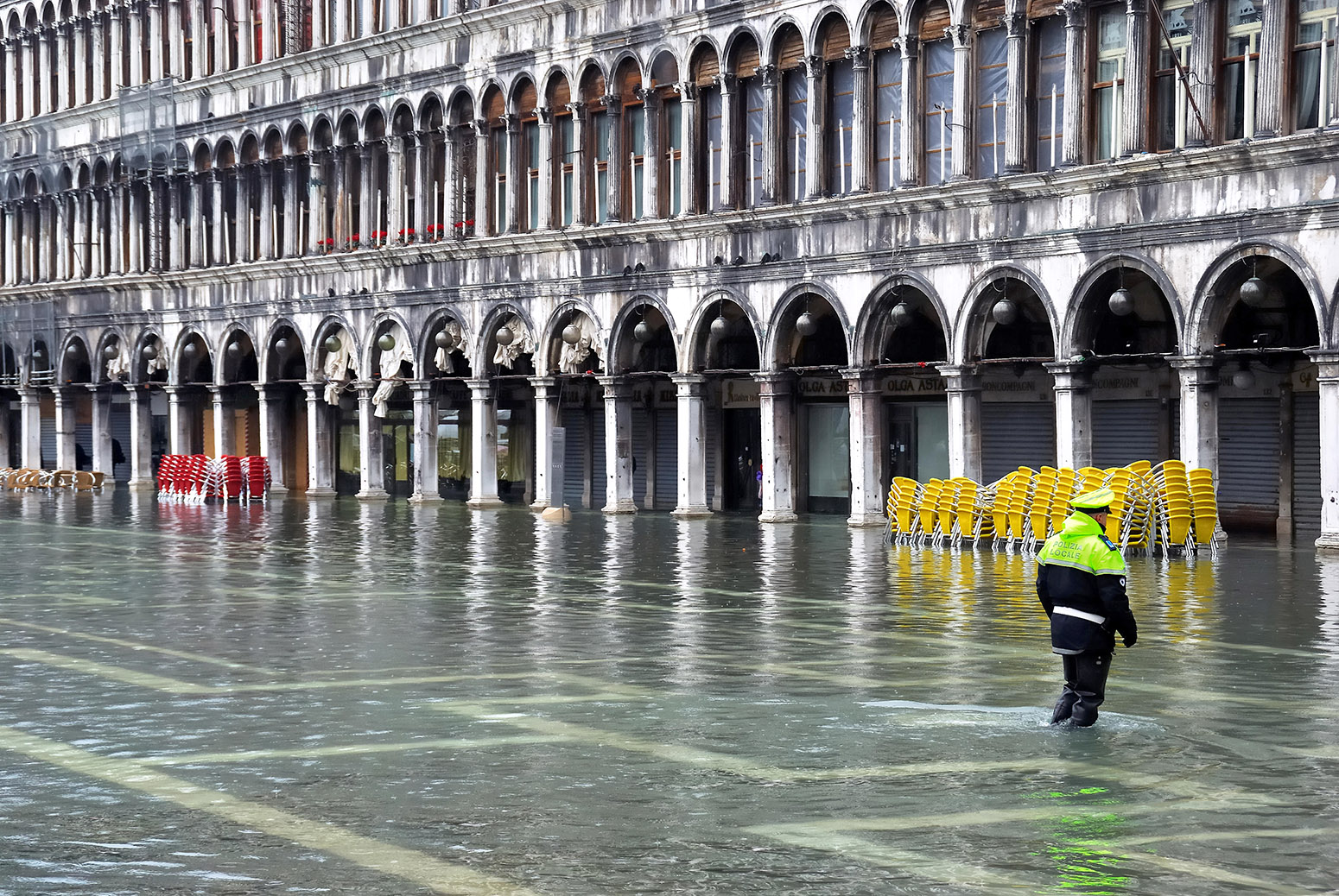 High water in Piazza San Marco, Venice, Italy. Credit: Ferdinando Piezzi / Alamy Stock Photo. HNH8M3