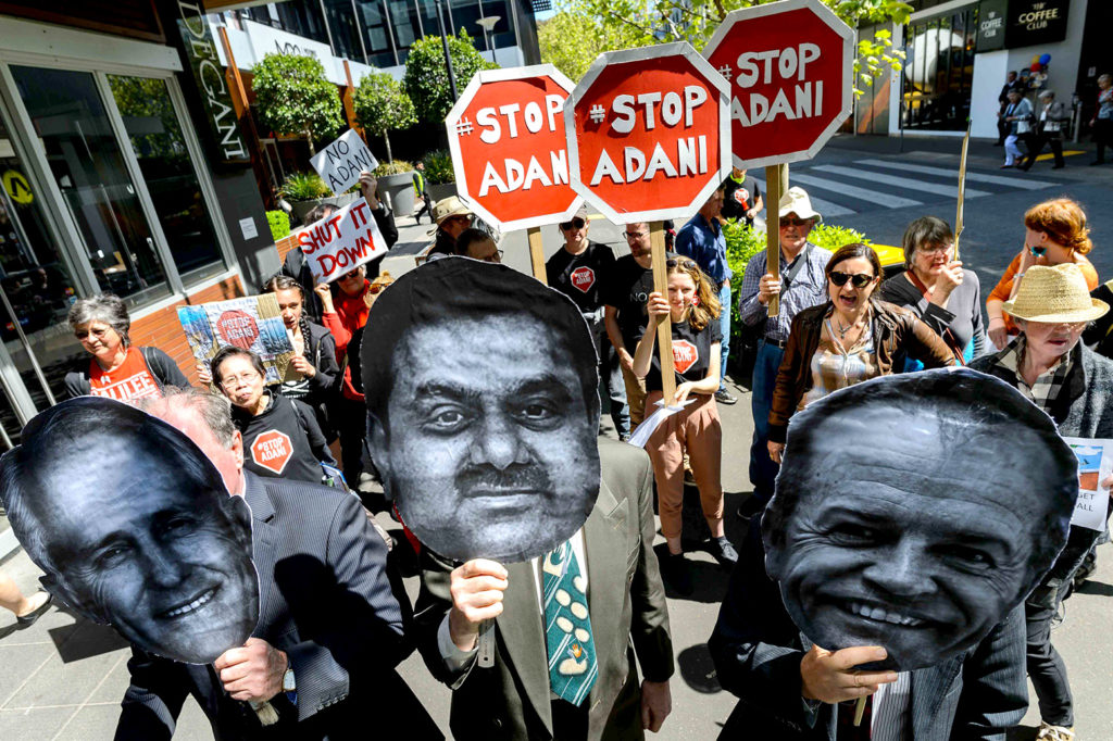 Stop the Adani Carmichael coal mine protest outside Bill Shorten's Moonee Ponds office, 3 October 2017. Credit: Julian Meehan / (CC BY-SA 4.0).