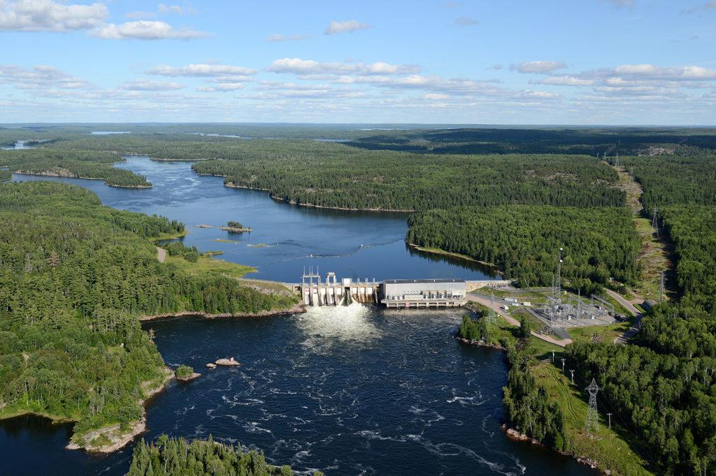 White Dog Falls hydro power station, Ontario. Credit: All Canada Photos / Alamy Stock Photo. RWX864