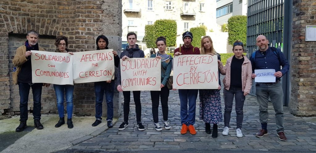 Activists outside the offices of the Coal Marketing Company, Fumbally Lane, Dublin Photo: LASC