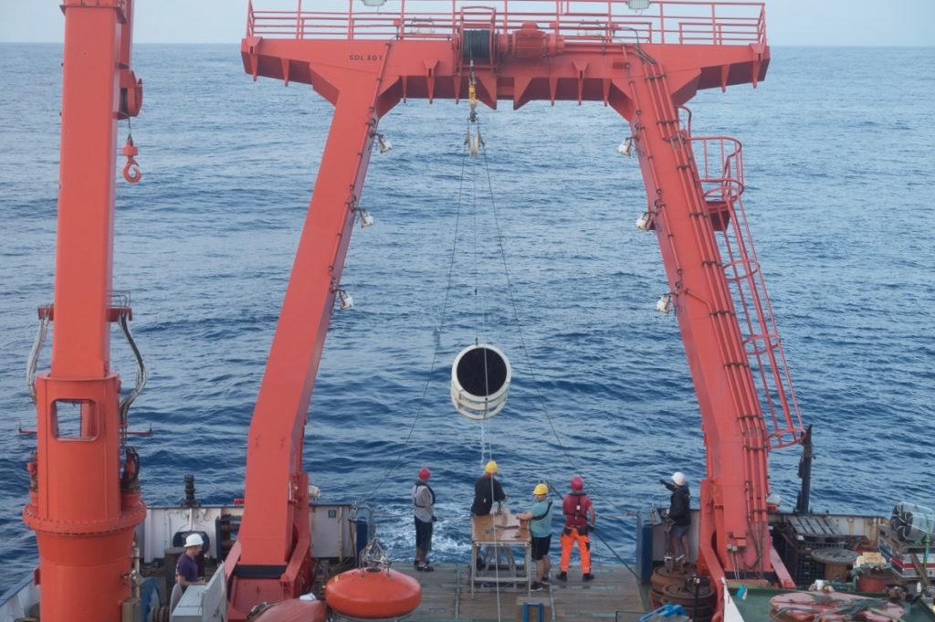 Recovery of a sediment trap on board the research vessel Meteor in the tropical North Atlantic Ocean. Source: Christiane Schmidt